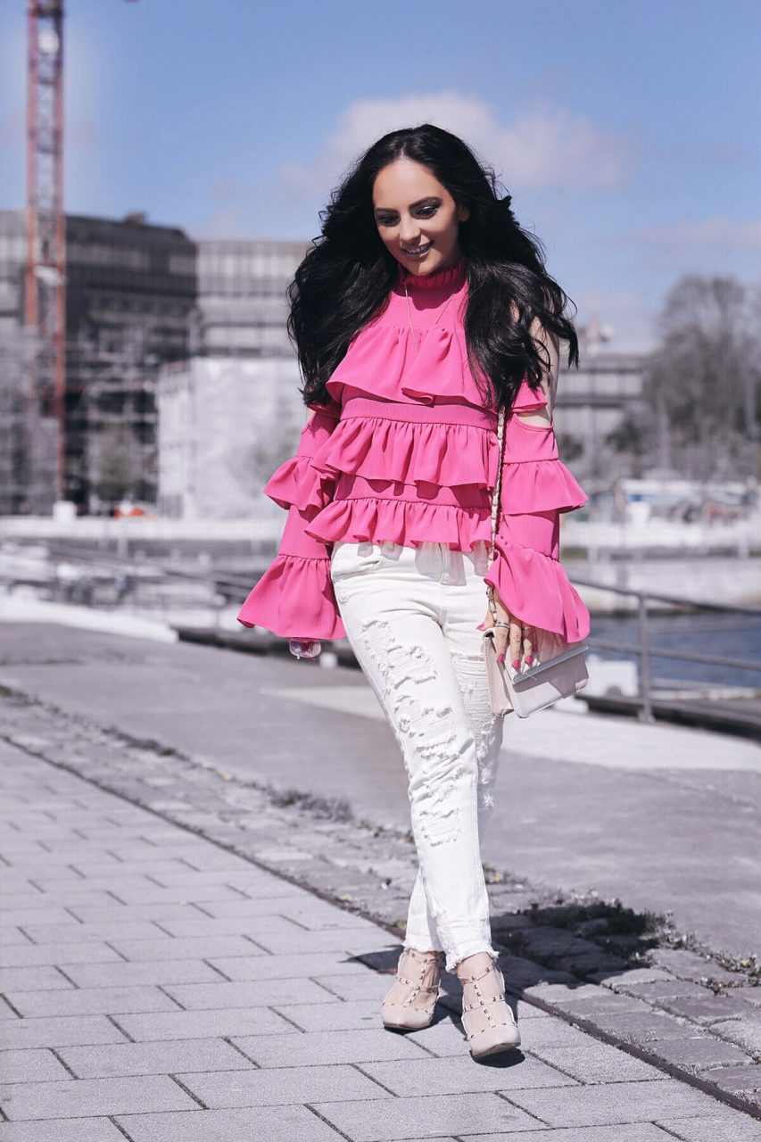rüschenbluse, volantbluse, bvolants, outfit, ruffles, style, long hair, lange haare, schwarze haare